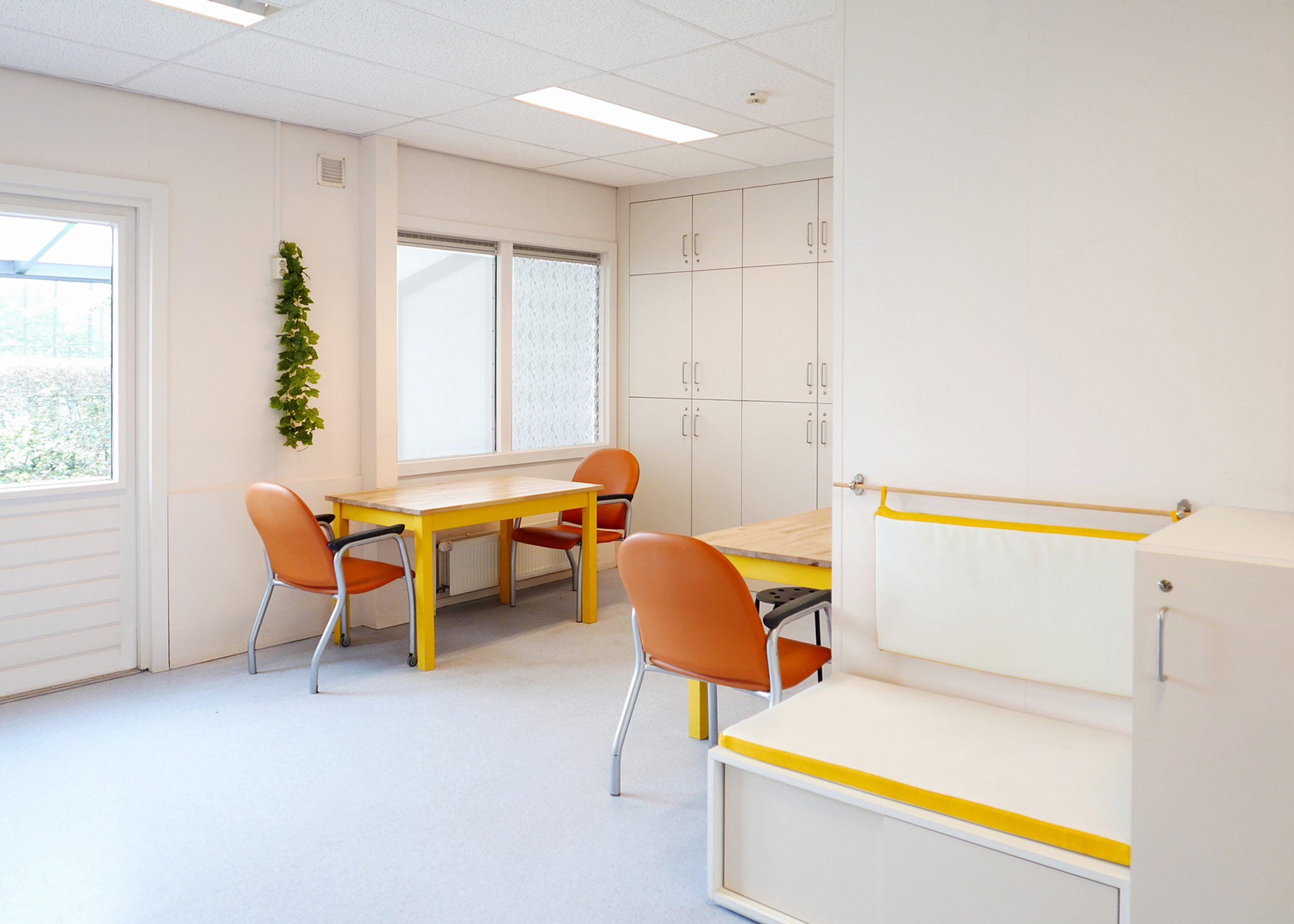 Nieuwe _interieur_Dagbesteding_zit en werkhoek